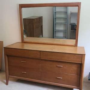 Lot # 187 Vintage Dixie Dresser & Mirror