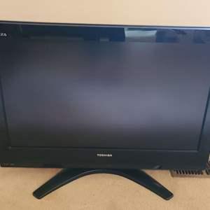 Lot # 190 Toshiba 32 Inch TV