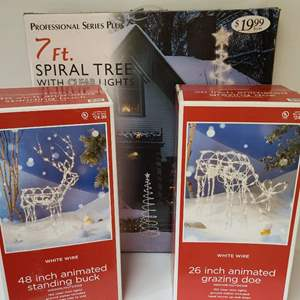 Lot # 274 Outdoor Christmas Decor