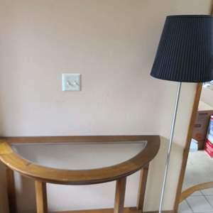 Lot # 300 Table & Lamp