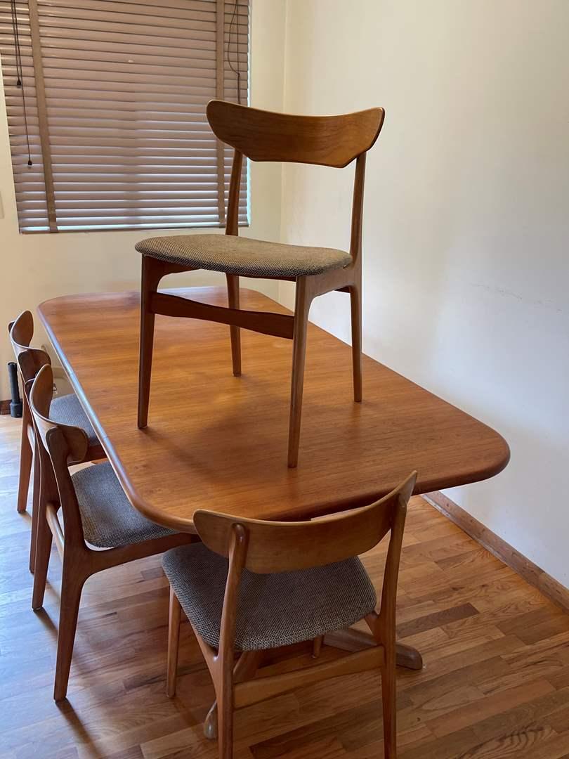 Lot # 2 - Mid Century Modern (MCM) Gudme Mobelfabrik A/S Table w/6 Chairs  (main image)