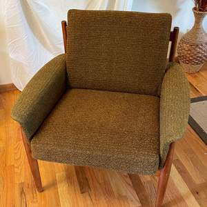 Lot # 3 - France and Son Mid Century Modern Dark Green Lounge Chair