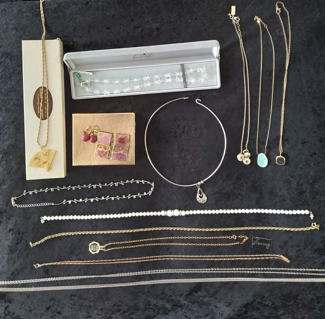Lot # 35 - Costume Jewelry Lot (main image)