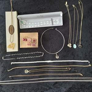 Lot # 35 - Costume Jewelry Lot
