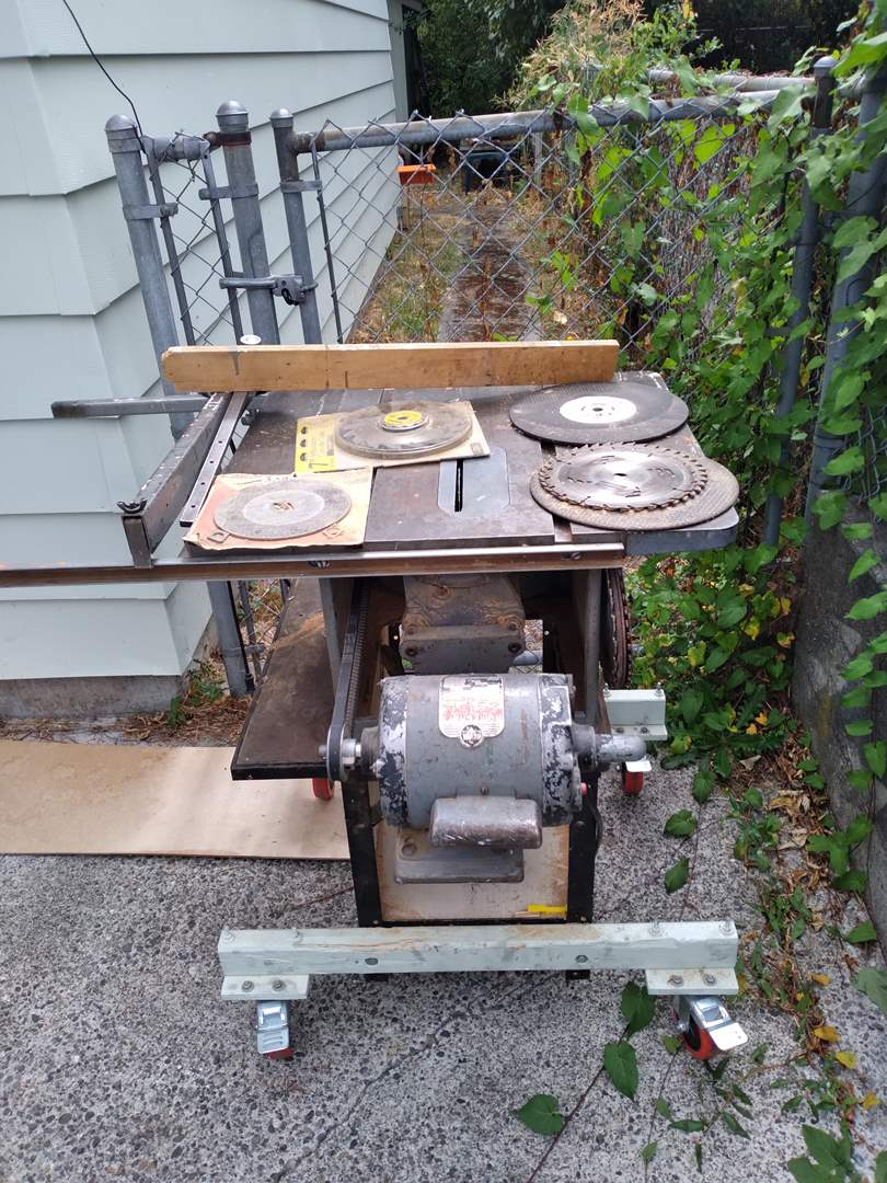 Lot # 71 - Delta Milwaukee Home Craft Table Saw with set of blades (main image)