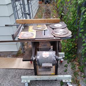 Lot # 71 - Delta Milwaukee Home Craft Table Saw with set of blades
