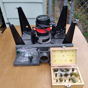 Lot # 72 - Sears Heavy Duty Router mounted on Router Table and Assortment of router bits