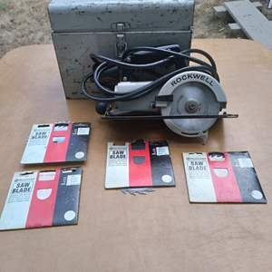 Lot # 80 - Rockwell Trim Saw (Model 314) with blades