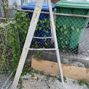 Lot # 88 - Aluminum 6' Folding Paint Ladder