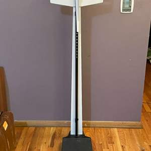 """Lot # 24 - Clinic """"Health-o-meter"""" Weight Scale"""
