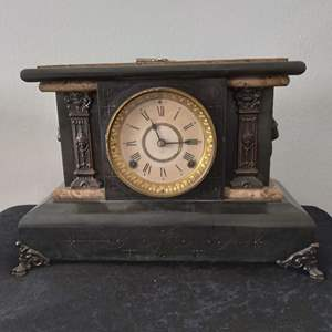 "Lot # 29 - Antique Seth Thomas Mantle Clock (""as is"" w/original key)"