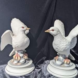 Lot # 68 - Vintage Lovely Pair of Large Statuette White Doves Andrea by Sadek Japan