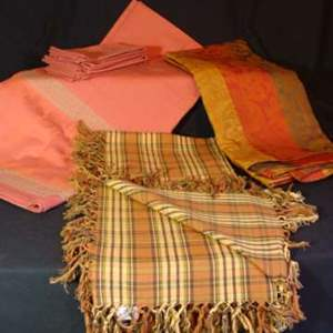 Lot # 103 - New Tablecloths and Napkins