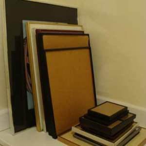 Lot #109 - Sixteen (16) Metal and Modern Picture Frames