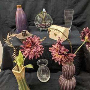 Lot # 141 - Collection of Vases and Centerpieces