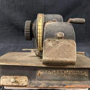 Lot # 142 - Antique Peerless Junior Check Writing Machine