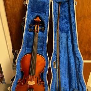 Lot # 146 - Mittenwald Violin (1982, Serial Code 25640)