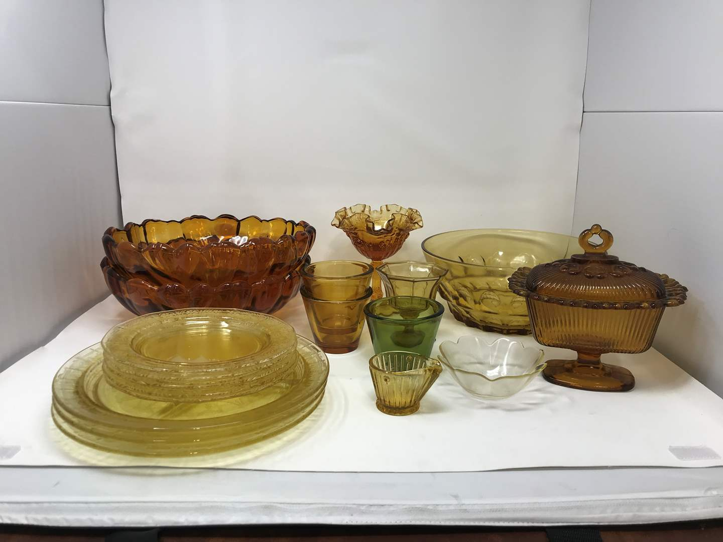 Lot # 20 - Lot of Yellow Toned Glass Plates, Bowls & More (main image)