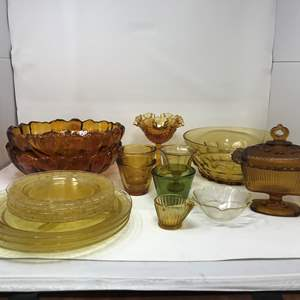 Lot # 20 - Lot of Yellow Toned Glass Plates, Bowls & More