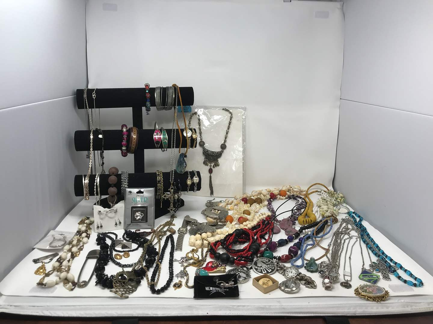 Lot # 33 - Cute Platinum Necklace? (Stamped 950), Costume Jewelry & Bracelet Stand (main image)