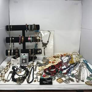 Lot # 33 - Cute Platinum Necklace? (Stamped 950), Costume Jewelry & Bracelet Stand