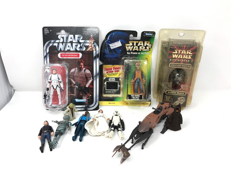 Lot # 117 - Vintage & Modern Starwars Figurines  (main image)
