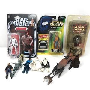 Lot # 117 - Vintage & Modern Starwars Figurines
