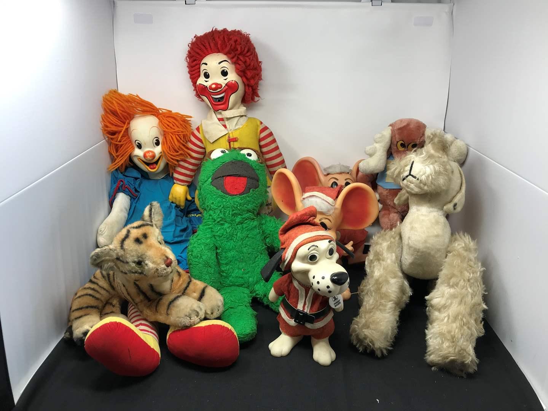 Lot # 155 - Stuffed Bozo The Clown, Ronald McDonald, Oscar The Grouch & More (main image)