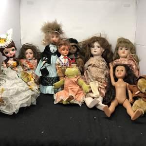 Lot # 157 - 2 Large Articulating Dolls, Plastic Dolls & Stuffed Paddington Bear