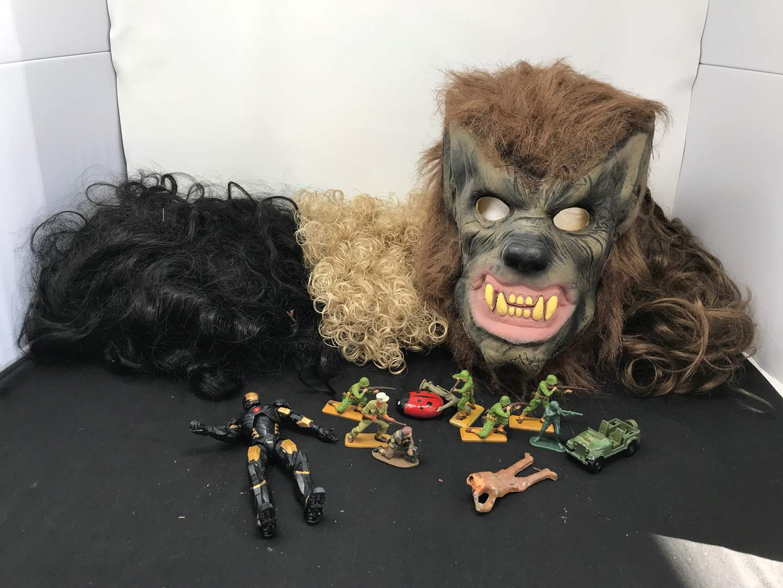 Lot # 182 - Wigs & Wolverine Mask (main image)