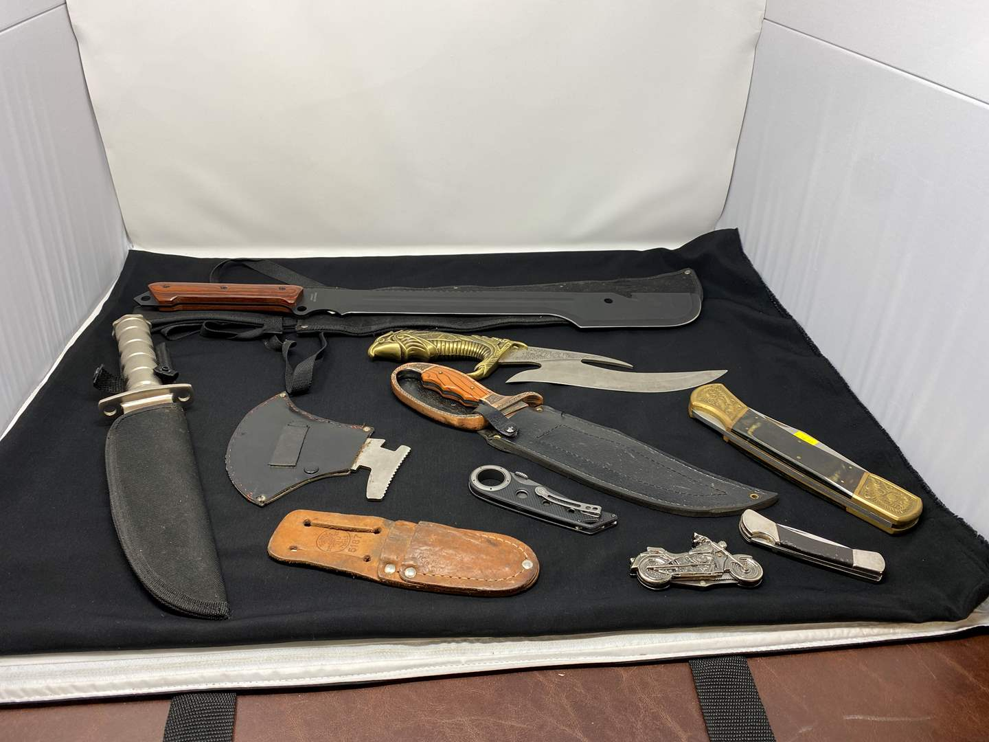 Lot # 58 - Another Nice Collection of Large & Small Knives (main image)