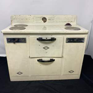 """Lot # 66 - Vintage Metal """"Empire"""" Child Size Electric Oven - (Works)"""