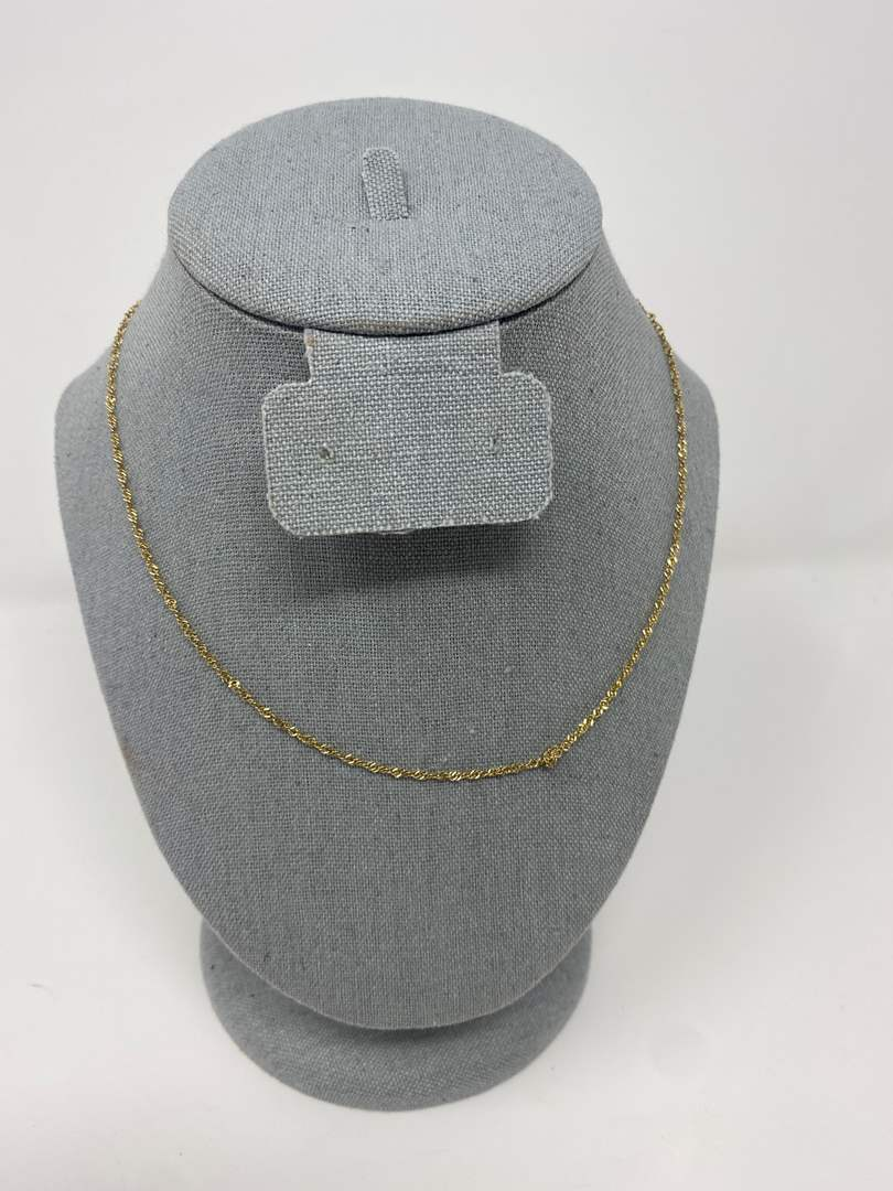 Lot # 77 - 14k Gold Necklace - (Stamped & Tested - 2.69 grams) (main image)