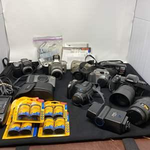 Lot # 131 - Collection of Vintage Minolta, Kodak, & Pentax Cameras
