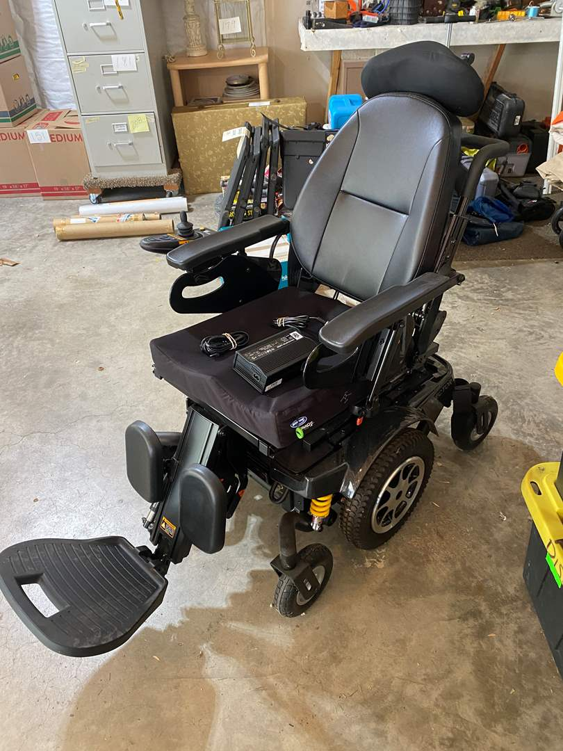 """Lot # 212 - Merits """"Vector"""" Electric Wheelchair - (Powers On) (main image)"""