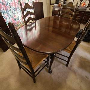 Lot # 17 Ethan Allen Dining Table & Chairs