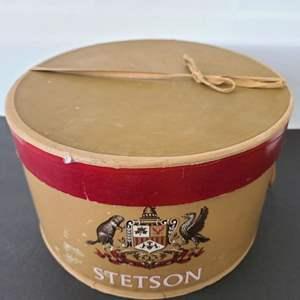 Lot # 85 Vintage Stetson Hat & Trinket Box