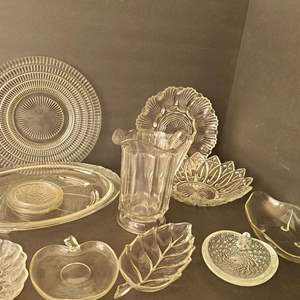 Lot # 102 Asst. Kitchen Glassware