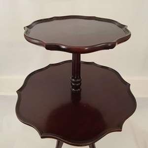 Lot # 115 Valley City Furniture Co. Pie Crust Table