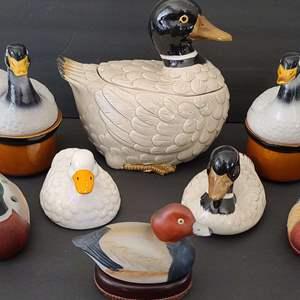 Lot # 118 Duck Cookie Jar & Friends