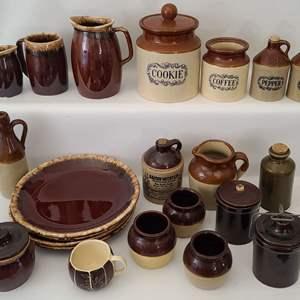 Lot # 119 Pottery & Ceramics