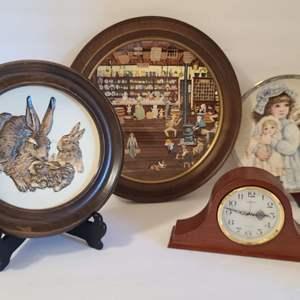 Lot # 129 Decorative Plates & Mantle Clock