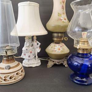 Lot # 135 Assorted Electric & Oil Lamps