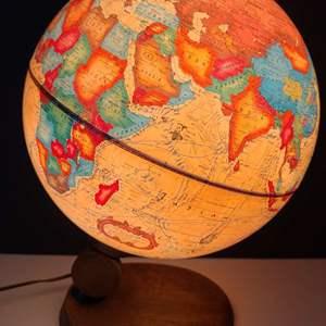 "Lot # 137 Vintage Readers Digest ""Antique"" Lighted Spot Globe- NIB"