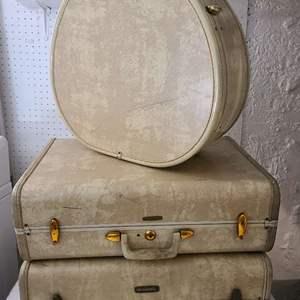 Lot # 149 VTG Shwayder Bros. Samsonite Luggage, Ivory Cream Marble Set