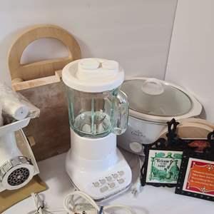 Lot # 154 Kitchen Appliances & More