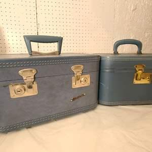Lot # 170 VTG Toiletry Travel Cases