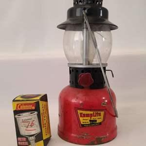 Lot # 189 Vintage Kamplite Lantern