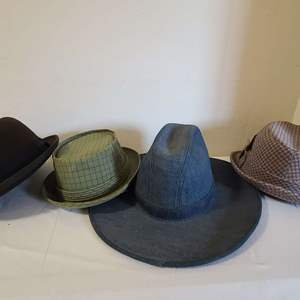 Lot # 206 Men's VTG Hats