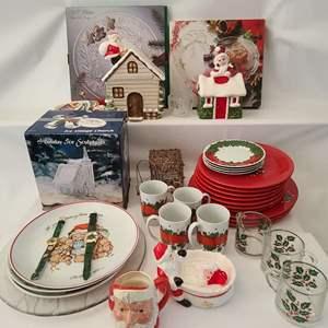 Lot # 210 Christmas Décor & More